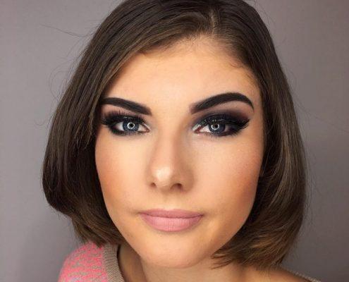 Makeup artist in