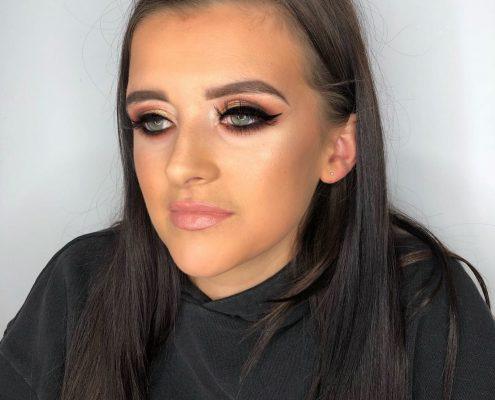 Professional Makeup Artist - Eversley Hook Fleet Hampshire