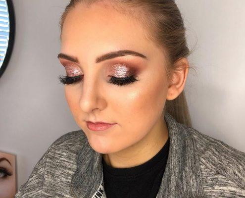 Professional Makeup Artist covering Camberley, Fleet, Bracknell, Wokingham, Windsor