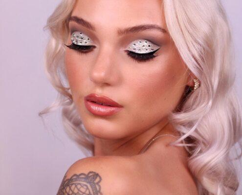 Glam Christmas Makeup